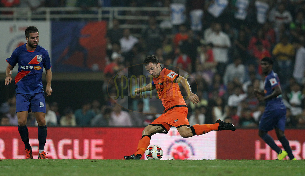Alessandro Del Piero of Delhi Dynamos FC on the attack during match 22 of the Hero Indian Super League between Mumbai City FC and Delhi Dynamos FC City held at the D.Y. Patil Stadium, Navi Mumbai, India on the 5th November.<br /> <br /> Photo by:  Vipin Pawar/ ISL/ SPORTZPICS