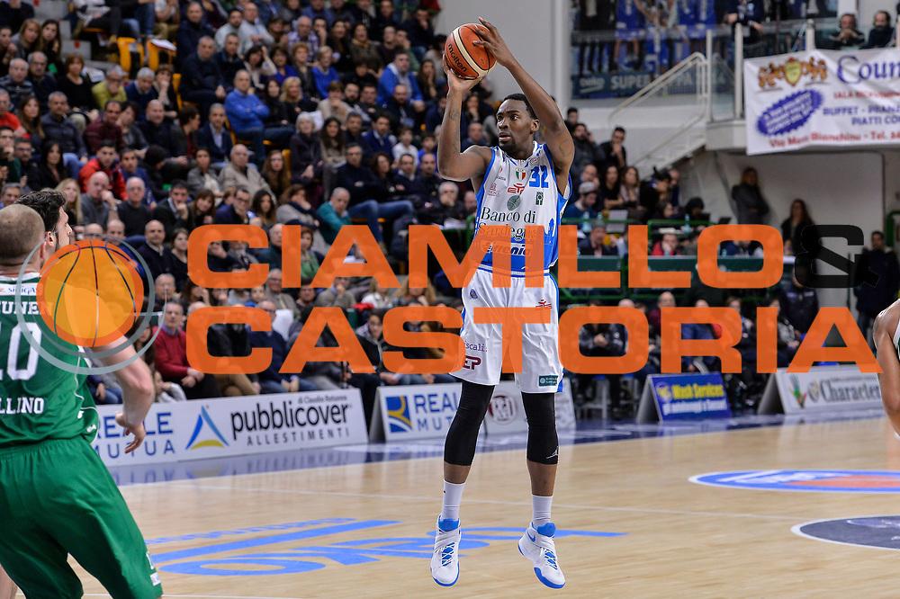 DESCRIZIONE : Beko Legabasket Serie A 2015- 2016 Dinamo Banco di Sardegna Sassari - Sidigas Scandone Avellino<br /> GIOCATORE : Jarvis Varnado<br /> CATEGORIA : Tiro<br /> SQUADRA : Dinamo Banco di Sardegna Sassari<br /> EVENTO : Beko Legabasket Serie A 2015-2016<br /> GARA : Dinamo Banco di Sardegna Sassari - Sidigas Scandone Avellino<br /> DATA : 28/02/2016<br /> SPORT : Pallacanestro <br /> AUTORE : Agenzia Ciamillo-Castoria/L.Canu