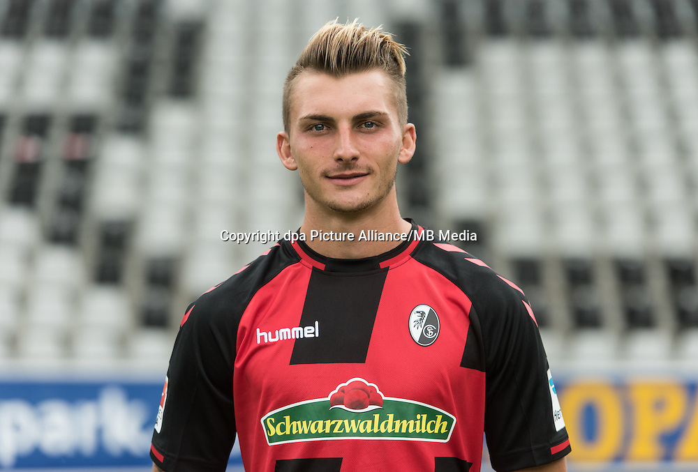 German Bundesliga - Season 2016/17 - Photocall SC Freiburg on 5 August 2016 in Freiburg, Germany: Maximilian Philipp. Photo: Patrick Seeger/dpa | usage worldwide