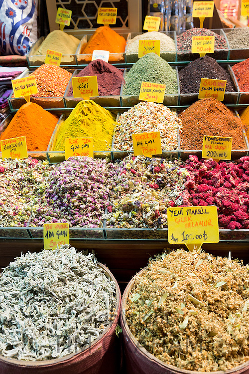 Spices and tea with Turkish lira prices in Misir Carsisi Egyptian Bazaar food and spice market, Istanbul, Turkey