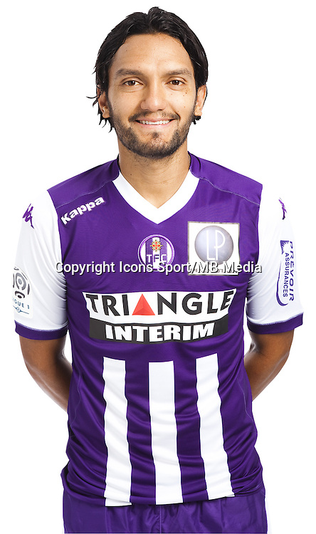 Abel Aguilar - 03.10.2014 - Portrait Officiel - Toulouse - Ligue 1<br /> Photo : Saada / Icon Sport