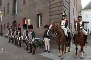 Opening van de Tentoonstelling Voor Napoleon. Hollanders in oorlogstijd, 1792-1815 in het Legermuseum, Delft.<br /> De tentoonstelling is op 13 oktober geopend door Charles Napoléon, le Prince, een directe afstammeling van Napoleon Bonaparte.  <br /> <br /> Op de foto:
