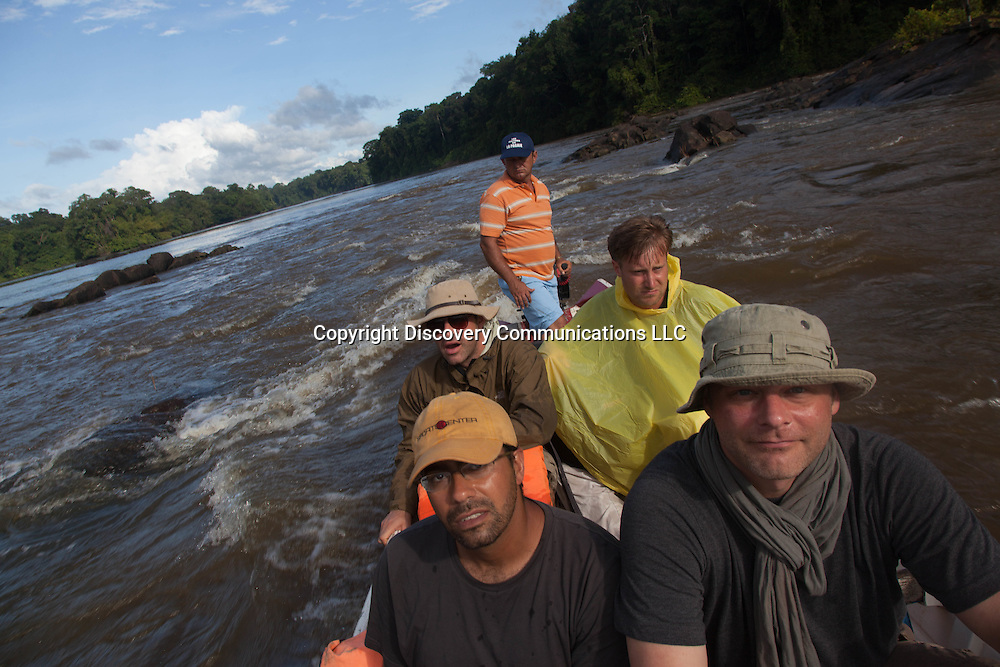French Guyana. Amazonas forest and river. Approuague‎ river in amazonia, film crew , extreme expeditions,      / le fleuve Approuague‎ en amazonie , l equipe de production de films, extreme expeditions.  guyane.