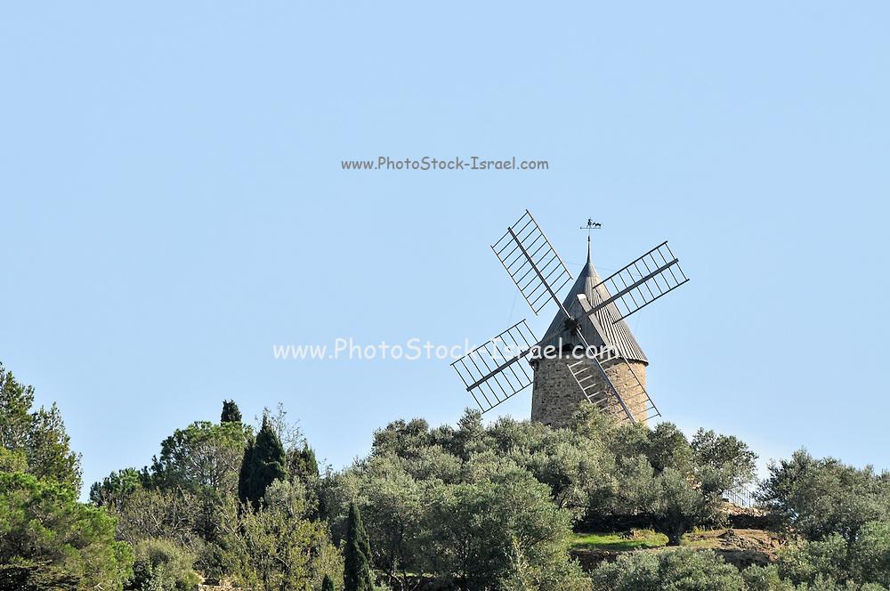 Collioure windmill, Cote Vermeille, Pyranees-Orientales, Languedoc-Rousillon, France