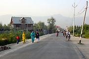 Dal Lake, Srinagar, Kashmir, Jammu and Kashmir, Northern India 2009-07-10.<br />