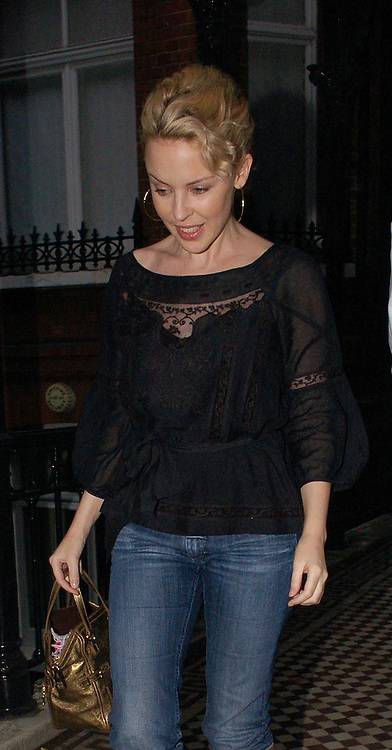 06.JUNE.2007. LONDON<br /> <br /> KYLIE MINOGUE LEAVING HER HOUSE TO TO GO TO SEE THE PET SHOP BOYS IN CONCERT AT HAMMERSMITH APPOLO AND THEN ARRIVING HOME.<br /> <br /> BYLINE: EDBIMAGEARCHIVE.CO.UK<br /> <br /> *THIS IMAGE IS STRICTLY FOR UK NEWSPAPERS AND MAGAZINES ONLY*<br /> *FOR WORLD WIDE SALES AND WEB USE PLEASE CONTACT EDBIMAGEARCHIVE - 0208 954 5968*