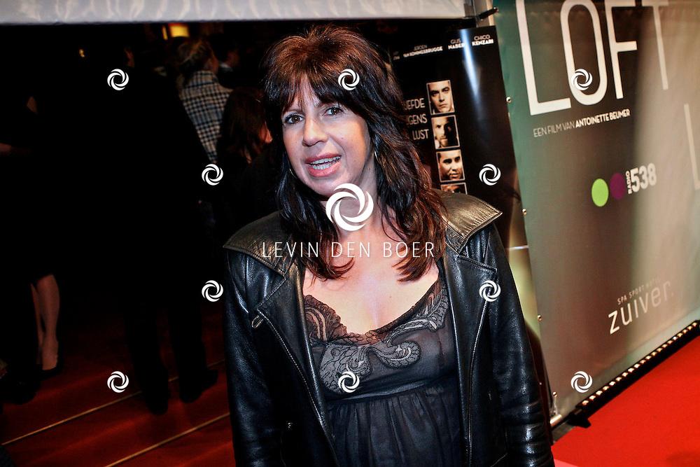 AMSTERDAM - Isa Hoes op de premiere van de film Loft dinsdag in Amsterdam. De film is vanaf 16 december in de Nederlandse bioscopen te zien. FOTO LEVIN DEN BOER - PERSFOTO.NU