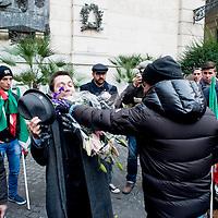 Decadenza Berlusconi, aggredito inviato La7