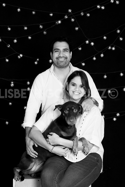 Photograph of soon to be married couple: Mary &amp; Foncho i<br /> Fotos de pre boda de la pareja: Mari &amp; Foncho