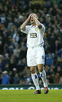 Photo. Andrew Unwin<br /> Leeds United v Chelsea, Barclaycard Premier league, Elland Road, Leeds 06/12/2003.<br /> Leeds' Stephen McPhail can't believe he's missed the chance to put his team two goals ahead.
