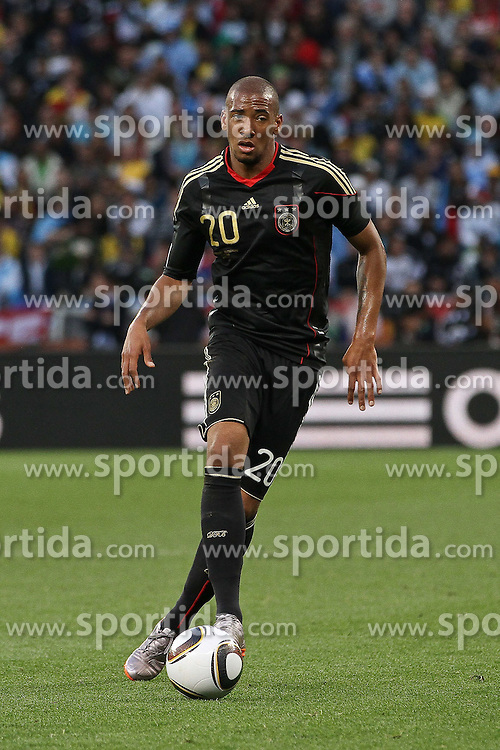 03.07.2010, CAPE TOWN, SOUTH AFRICA, im Bild .Jerome Boateng of Germany on the attack during the Quarter Final, Match 59 of the 2010 FIFA World Cup, Argentina vs Germany held at the Cape Town Stadium. Foto ©  nph /  Kokenge