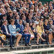 NLD/Tilburg/20170427- Koningsdag 2017, Koninklijke familie op de tribune