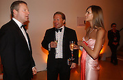 Rory Bremner, David Ross and Shelley Ross. National Portrait Gallery  150th Anniversary Fundraising Gala. National Portrait Gallery. London. 28 February 2006. ONE TIME USE ONLY - DO NOT ARCHIVE  © Copyright Photograph by Dafydd Jones 66 Stockwell Park Rd. London SW9 0DA Tel 020 7733 0108 www.dafjones.com