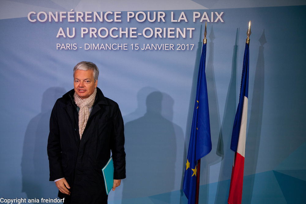 Middle East Peace Conference, Paris, France. International summit. 7O countries have participated in the summit. Belgium<br /> Didier Reynders, Vice-First Minister and Minister of Foreign Affairs