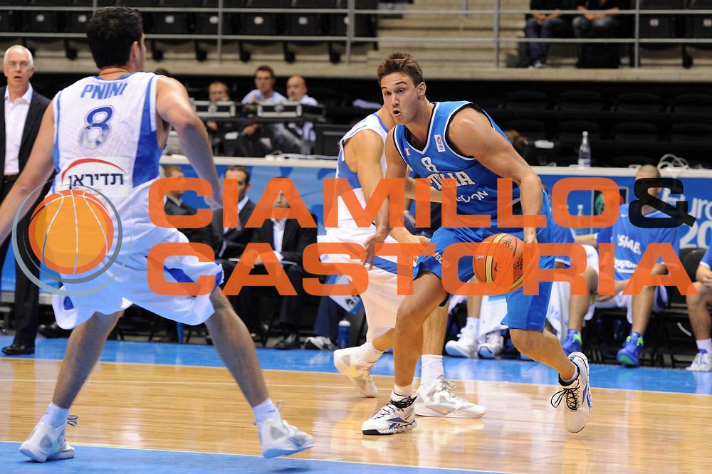 DESCRIZIONE : Siauliai Lithuania Lituania Eurobasket Men 2011 Preliminary Round Italia Israel Italy Israele<br /> GIOCATORE : Danilo Gallinari<br /> SQUADRA : Italia Italy<br /> EVENTO : Eurobasket Men 2011<br /> GARA : Italia Israele Italy Israel<br /> DATA : 05/09/2011 <br /> CATEGORIA : palleggio<br /> SPORT : Pallacanestro <br /> AUTORE : Agenzia Ciamillo-Castoria/GiulioCiamillo<br /> Galleria : Eurobasket Men 2011 <br /> Fotonotizia : Siauliai Lithuania Lituania Eurobasket Men 2011 Preliminary Round Italia Israel Italy Israele<br /> Predefinita :