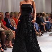 NLD/Amsterdam/20130907 - Modeshow najaar Mart Visser 2013, zwangere Marvy Rieder