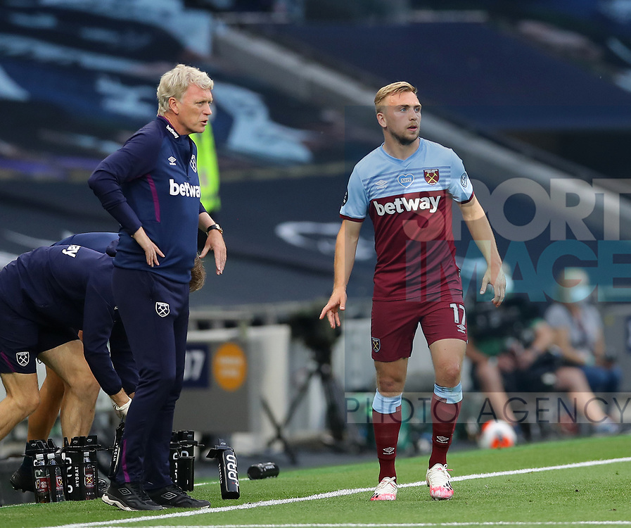 West Ham's David Moyes talks to Jarrod Bowen during the Premier League match at the Tottenham Hotspur Stadium, London. Picture date: 23rd June 2020. Picture credit should read: David Klein/Sportimage