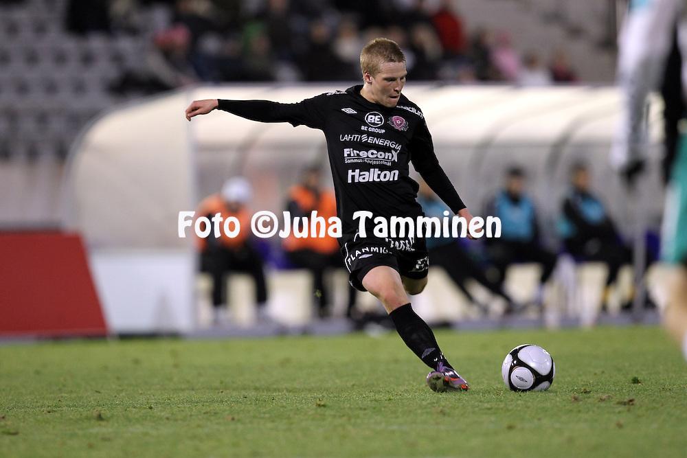 17.10.2010, Stadion, Lahti..Veikkausliiga 2010, FC Lahti - IFK Mariehamn..Riku Heini - FC Lahti.©Juha Tamminen.