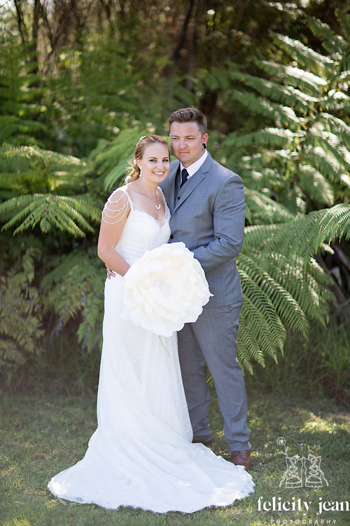 zac & sam's coromandel wedding photos at waterworks photography by felicity jean photography