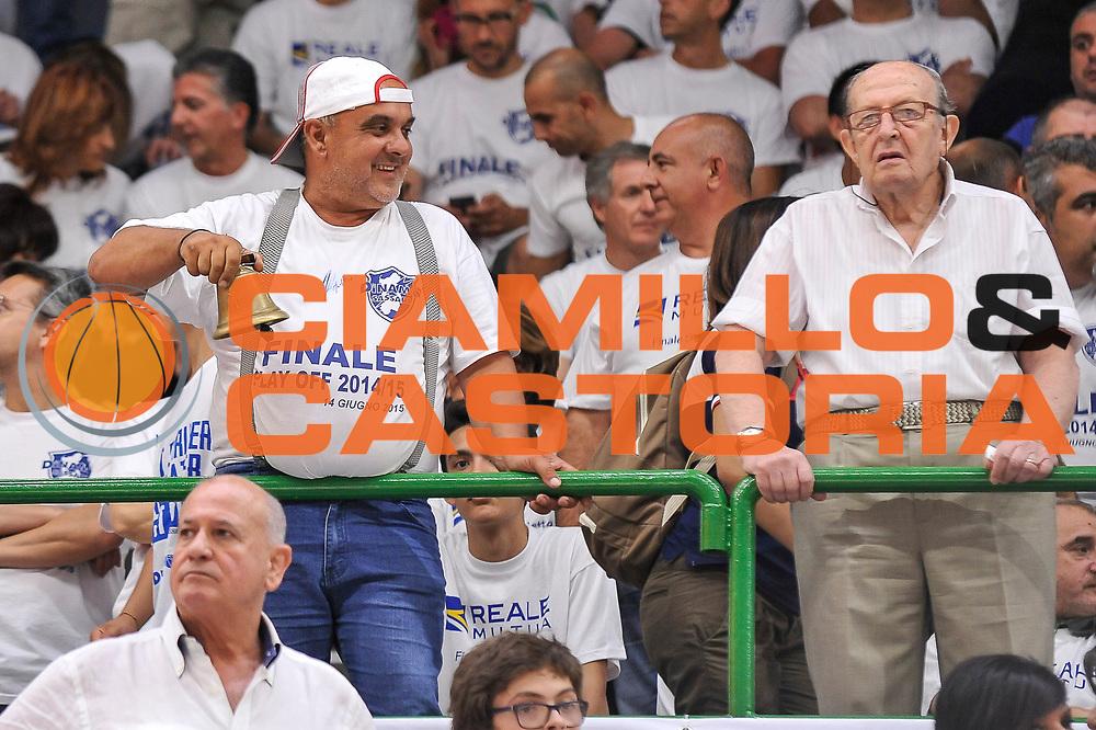 DESCRIZIONE : Campionato 2014/15 Serie A Beko Dinamo Banco di Sardegna Sassari - Grissin Bon Reggio Emilia Finale Playoff Gara6<br /> GIOCATORE : Tifosi Pubblico Spettatori<br /> CATEGORIA : Tifosi Pubblico Spettatori Curiosità<br /> SQUADRA : Dinamo Banco di Sardegna Sassari<br /> EVENTO : LegaBasket Serie A Beko 2014/2015<br /> GARA : Dinamo Banco di Sardegna Sassari - Grissin Bon Reggio Emilia Finale Playoff Gara6<br /> DATA : 24/06/2015<br /> SPORT : Pallacanestro <br /> AUTORE : Agenzia Ciamillo-Castoria/C.Atzori