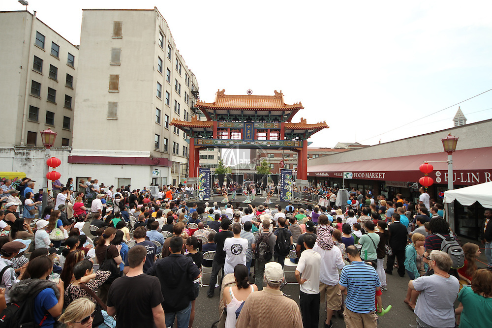 Seattle's Chinatown-ID Dragon Fest 2012.  Korean Dancing (Morning Star Korean Cultural Center).