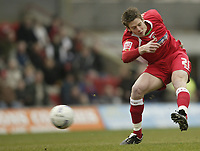 Photo: Aidan Ellis.<br /> Grimsby Town v Swindon Town. Coca Cola League 2. 17/03/2007.<br /> Swindon's Lucas Jutkiewicz has a rare shot for his team