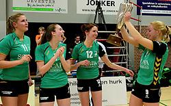 12-04-2014 NED: Finale vv Alterno - Sliedrecht Sport, Apeldoorn<br /> Alterno pakt het kampioenschap door Sliedrecht voor de derde maal te verslaan / Linda te Molder, Marlou Sommer, Silke Schuitemaker