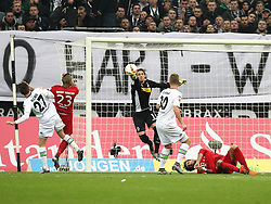 05.12.2015, Stadion im Borussia Park, Moenchengladbach, GER, 1. FBL, Borussia Moenchengladbach vs FC Bayern Muenchen, 15. Runde, im Bild Yann Sommer (#1, Torwart, Borussia Moenchengladbach) haelt - v.l. Julian Korb (#27, Borussia Moenchengladbach), Arturo Vidal (#23, FC Bayern Muenchen), Yann Sommer (#1, Torwart, Borussia Moenchengladbach), Nico Elvedi (#30, Borussia Moenchengladbach), Medhi Benatia (#5, FC Bayern Muenchen), Borussia Moenchengladbach - FC Bayern Muenchen, Fussball, 1. Bundesliga, 05.12.2015, Foto: Deutzmann/Eibner // during the German Bundesliga 15th round match between Borussia Moenchengladbach and FC Bayern Muenchen at the Stadion im Borussia Park in Moenchengladbach, Germany on 2015/12/05. EXPA Pictures © 2015, PhotoCredit: EXPA/ Eibner-Pressefoto/ Deutzmann<br /> <br /> *****ATTENTION - OUT of GER*****