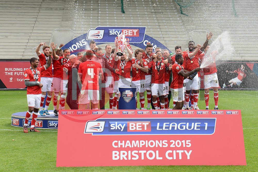 Bristol City lift the Sky Bet league one trophy as they are crowned champions - Photo mandatory by-line: Dougie Allward/JMP - Mobile: 07966 386802 - 03/05/2015 - SPORT - Football - Bristol - Ashton Gate - Bristol City v Walsall - Sky Bet League One