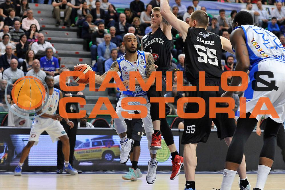 DESCRIZIONE : Beko Legabasket Serie A 2015- 2016 Dinamo Banco di Sardegna Sassari - Pasta Reggia Juve Caserta<br /> GIOCATORE : David Logan<br /> CATEGORIA : Palleggio<br /> SQUADRA : Dinamo Banco di Sardegna Sassari<br /> EVENTO : Beko Legabasket Serie A 2015-2016<br /> GARA : Dinamo Banco di Sardegna Sassari - Pasta Reggia Juve Caserta<br /> DATA : 03/04/2016<br /> SPORT : Pallacanestro <br /> AUTORE : Agenzia Ciamillo-Castoria/C.Atzori