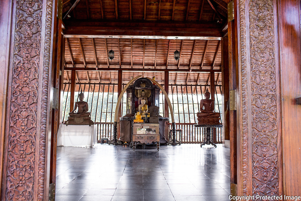 Gangramaya Buddhist Temple, Colombo