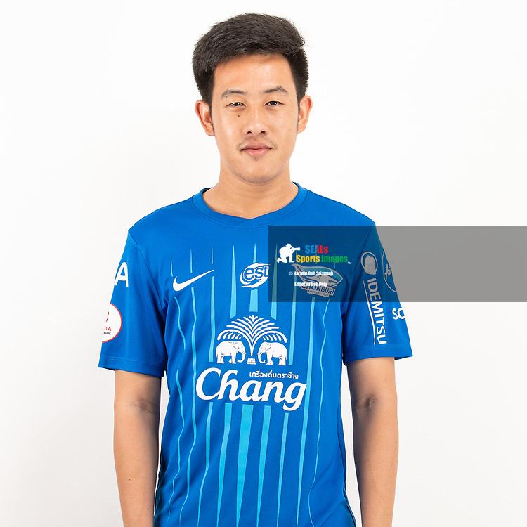 THAILAND - JUNE 11: Worachit Kanitsribumphen #8 of Chon Buri FC on June 11, 2019.<br /> .<br /> .<br /> .<br /> (Photo by: Naratip Golf Srisupab/SEALs Sports Images/MB Media Solutions)