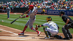 OAKLAND, CA - AUGUST 04:  Dexter Fowler #25 of the St. Louis Cardinals at bat against the Oakland Athletics during the first inning at the RingCentral Coliseum on August 4, 2019 in Oakland, California. The Oakland Athletics defeated the St. Louis Cardinals 4-2. (Photo by Jason O. Watson/Getty Images) *** Local Caption *** Dexter Fowler