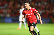 NONTHABURI, THAILAND - JULY 09: Theerathon of SCG Muangthong during the second half of the Thai League: SCG Muangthong United vs Buriram United at SCG Stadium, Nonthaburi, Thailand on July 09, 2017.<br /> .<br /> .<br /> .<br /> (Photo by: Naratip Golf Srisupab/SEALs Sports Images)<br /> .<br /> Any image use must include a mandatory credit line adjacent to the content which should read: Naratip Golf Srisupab/SEALs Sports Images