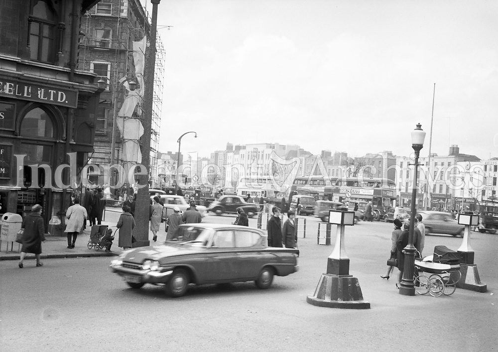 Barrels on O'Connell bridge to control traffic. April 17 1964. <br />