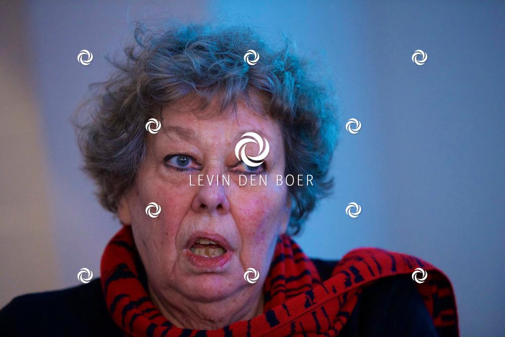 UTRECHT - Perspresentatie van een nieuw tv programma 'Hier zijn de Van Rossems'. Met hier op de foto  Sis van Rossem, kunsthistorica. FOTO LEVIN DEN BOER - PERSFOTO.NU