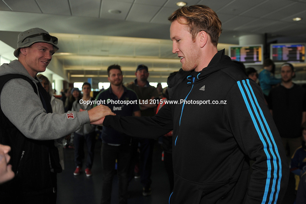 Gareth Evans of the Highlanders moves through fans, during the Highlanders Airport Arrival after winning the Super Rugby Title, Dunedin Airport, Dunedin, New Zealand, 5 July 2015. Credit: Joe Allison / www.Photosport.co.nz