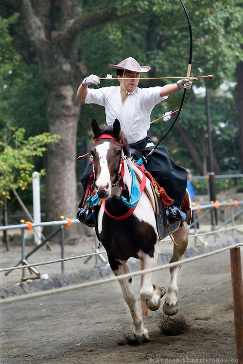 Morning practise in preperation for Yabusame (horse-riding archery shinto ritual), that is performed on the 3rd day of the 3-day anual festival of Tsurugaoka Hachimangu shrine in Kamakura.