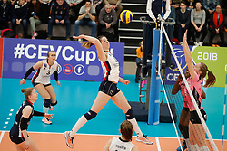 20180110 NED: CEV CUP Sliedrecht Sport - Beziers Angels VB: Sliedrecht<br />Carlijn Ghijssen- Jans (10) of Sliedrecht Sport <br />&copy;2018-FotoHoogendoorn.nl / Pim Waslander
