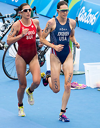 20.08.2016, Fort Copacabana, Rio de Janeiro, BRA, Rio 2016, Olympische Sommerspiele, Triathlon, Damen, im Bild Nicola Spirig Hug (SUI), Gwen Jorgensen (USA) // Nicola Spirig Hug of Switzerland Gwen Jorgensen of the USA during the Womens Triathlon of the Rio 2016 Olympic Summer Games at the Fort Copacabana in Rio de Janeiro, Brazil on 2016/08/20. EXPA Pictures © 2016, PhotoCredit: EXPA/ Johann Groder