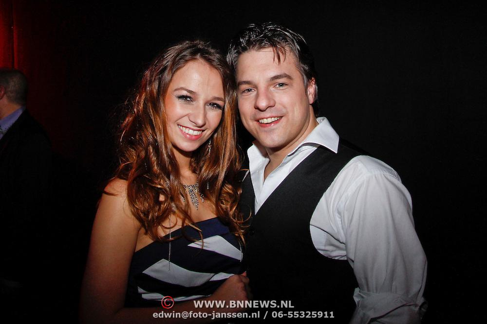 NLD/Uitgeest/20120116 - Uitreiking Populariteitsprijs 2012, Kevin Hellebrand en partner Bibi Schouten