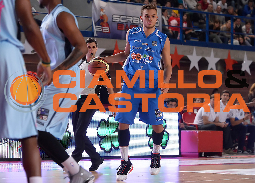 DESCRIZIONE : Mantova LNP 2014-15 All Star Game 2015 - Partita<br /> GIOCATORE : Stefano Tonut<br /> CATEGORIA : palleggio<br /> EVENTO : All Star Game LNP 2015<br /> GARA : All Star Game LNP 2015<br /> DATA : 06/01/2015<br /> SPORT : Pallacanestro <br /> AUTORE : Agenzia Ciamillo-Castoria/R.Morgano<br /> Galleria : LNP 2014-2015 <br /> Fotonotizia : Mantova LNP 2014-15 All Star Game 2015