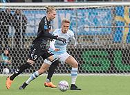 FODBOLD: Simon Kroon  (SønderjyskE) følges af Søren Henriksen (FC Helsingør) under kampen i ALKA Superligaen mellem FC Helsingør og SønderjyskE den 4. marts 2018 på Right to Dream Park i Farum. Foto: Claus Birch.