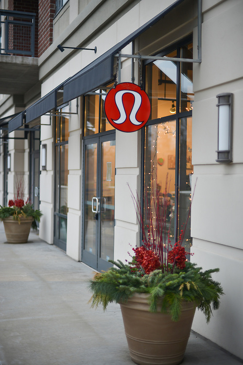 Exterior of front entrance to lululemon athletica Akron showroom.
