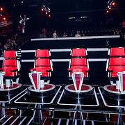 NLD/Hilversum/20131107- The Voice of Holland 1e live uitzending, de stoelen