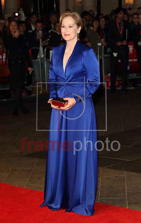 FESTIVAL DE CINEMA DE LONDRES SUFFRAGETTE – INGLATERRA – 07/10/2015 - *BRAZIL ONLY* ATENCAO EDITOR, FOTO EMBARGADA PARA VEICULOS INTERNACIONAIS - wenn22991196 Meryl Streep durante a abertura do Festival de Cinema de Londres com o filme Suffragette no Odeon, na Leicester Square, em Londres, na quarta-feira. O filme homenageia as sufragistas do Reino Unido que lutaram pelo direito de voto das mulheres. FOTO: WENN/FRAME
