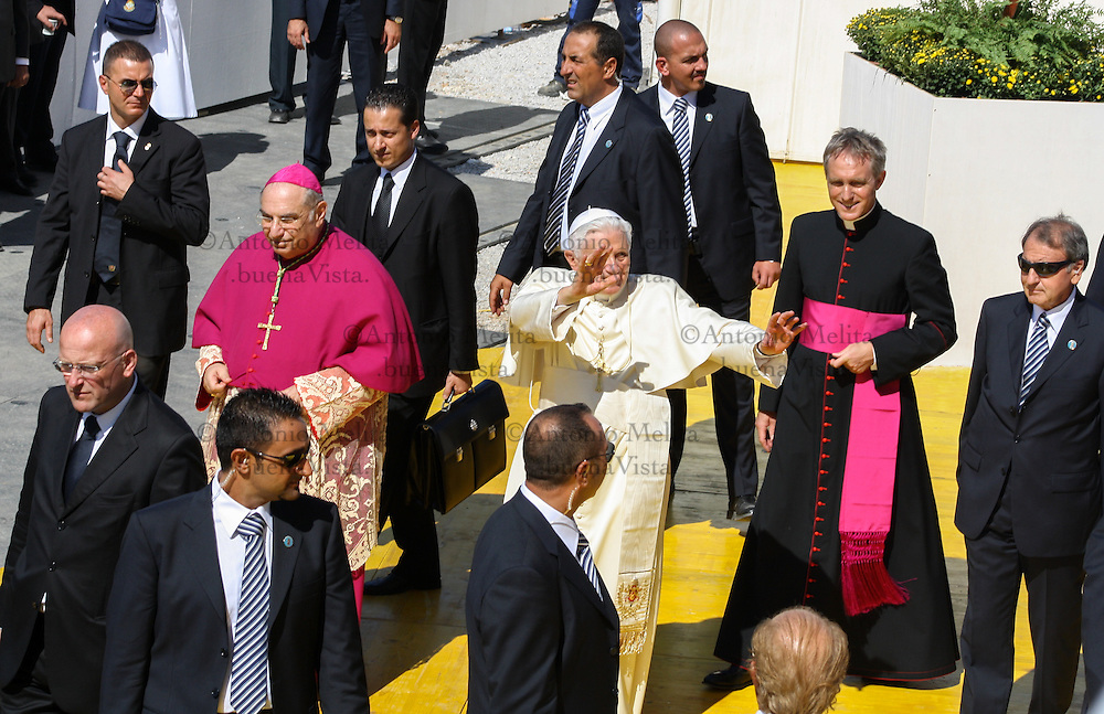 Pope Benedict XVI makes a pastoral visit to Palermo.