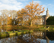 Nederland, Well, 20131202<br /> Emerson College European Centre op het kasteel in Well, Limburg.<br /> Kasteel Well is een fraaie waterburcht. Het huidige kasteel werd pas gebouwd in de vijftiende eeuw, maar kreeg pas later, in de zeventiende eeuw, zijn huidige aanzicht. Achter het huidige kasteel liggen de resten van een torenmolen uit de vijftiende eeuw. <br /> <br /> Netherlands, Well, 20131202<br /> Emerson College European Centre at Castle Well. <br /> Kasteel Well is a beautiful moated castle. The present castle was only built in the fifteenth century, it was only later, in the seventeenth century, its current appearance. Behind the present castle lie the remains of a tower mill from the fifteenth century.