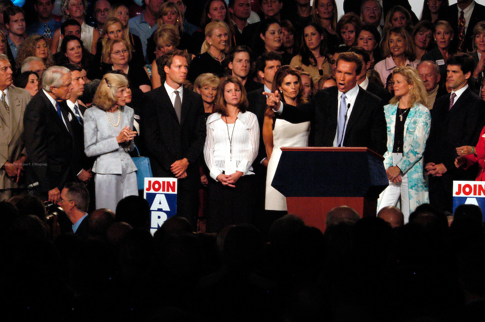 Los Angeles, CA, USA, October 7th 2003: Arnold Schwarzenegger, with wife Maria Shriver, speaks to supporters at the celebration of his landslide victory over Lieutenant Governor Cruz Bustamante in the California Recall Election.