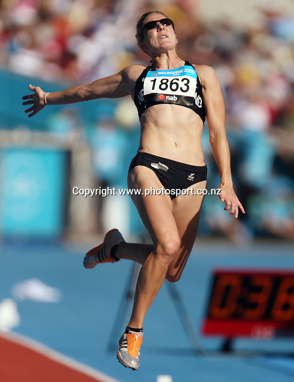 Rebecca Wardell (NZL) competes in the Women's Heptathlon Long on Day 7 of the XVIII Commonwealth Games at the MCG, Melbourne, Australia on Wednesday 22 March, 2006. Photo: Hannah Johnston/PHOTOSPORT
